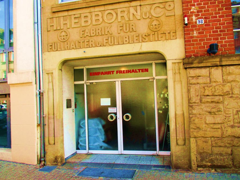 Altes Eingangsportal des Gebäudes (Foto: Jung)